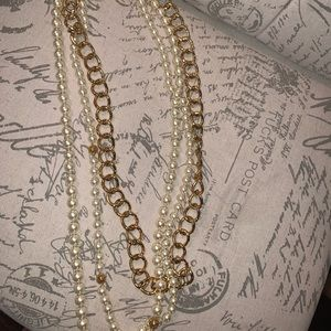 Extra long COACH statement pearl and gold chain
